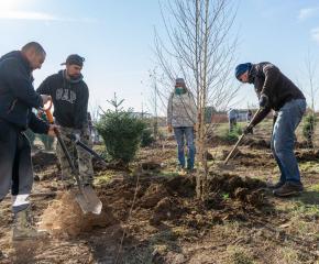 Граждани създадоха свой парк в ямболски квартал