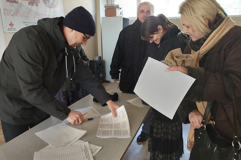 С полагане на първите подписи в подкрепа на идеята в Ямбол да бъде създадено частно начално училище под егидата на Българската православна църква по подобие...