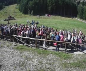 Хиляди туристи на опашка за лифта към Рилските езера