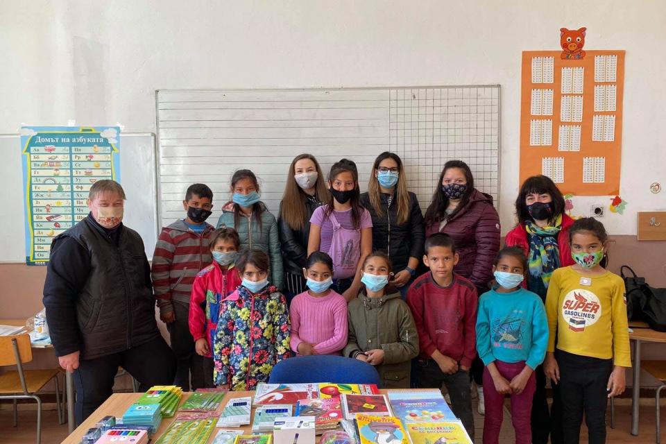 Преди дни екипът на 999 се натъкна на информация, относно благотворителна инициатива, която се извършва в помощ на деца от великотърновски села, които...