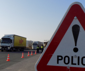 В ход е операция за контрол на товарните автомобили и автобусите