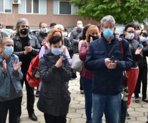 Хората в Сливен се сбогуваха с лекарката, която почина вчера