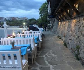 Хотелите по морето отлагат отваряне за трети път
