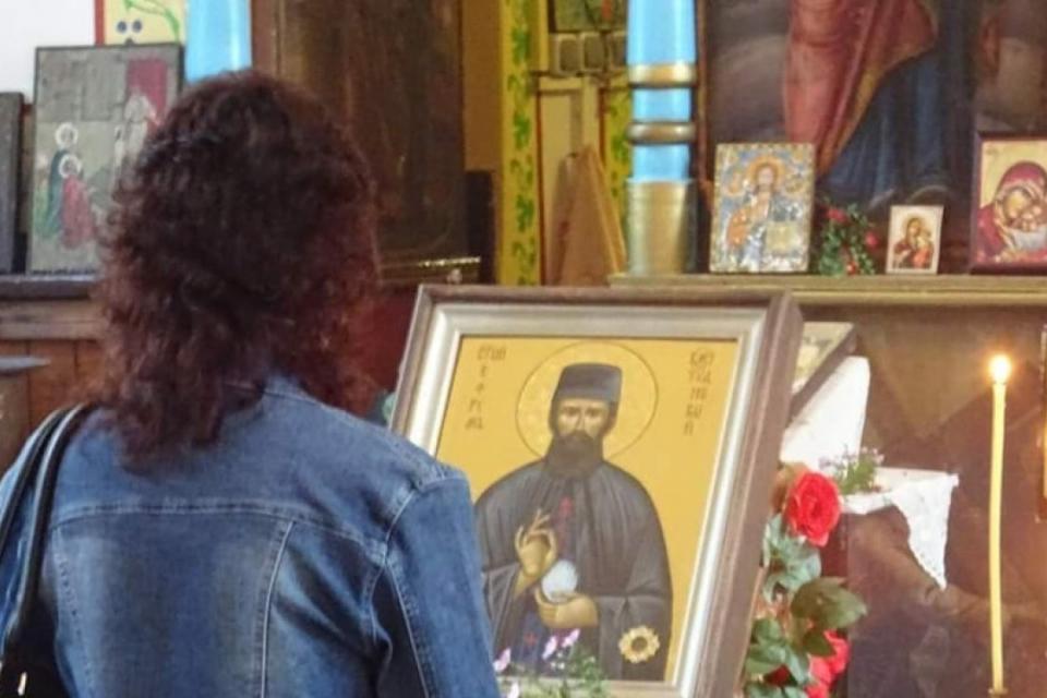 """Чудотворна икона с мощите на св. Ефрем Нови ще бъде изложена за поклонение в храм """"Свети Николай Чудотворец"""" седмица преди празника на Ямбол - на 12 юни...."""