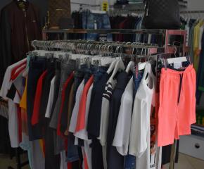 Икономическа полиция установи близо 200 незаконни стоки в три търговски обекта в Сливен