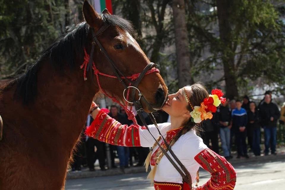 На 20 март празнуваме Тодорова събота, известна като Деня на коневъдството и конния спорт. Празникът е в памет на Свети великомъченик Теодор Тирон. В българския...