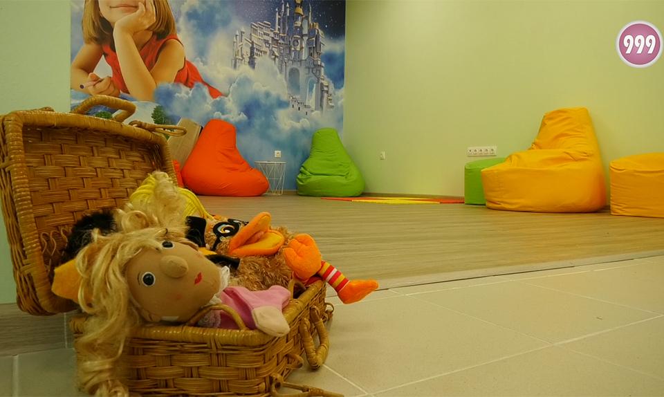 """За по-добра училищна среда. Обединени под това мото, екип на СУ """"Константин Константинов"""" в Сливен създават библиотечно-информационен център. В него децата..."""