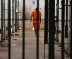 Избирателните секции в затворите и арестите са 27