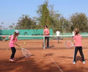 Избори 2021: Мануела Малеева ще даде безплатен тенис урок за деца в Ямбол
