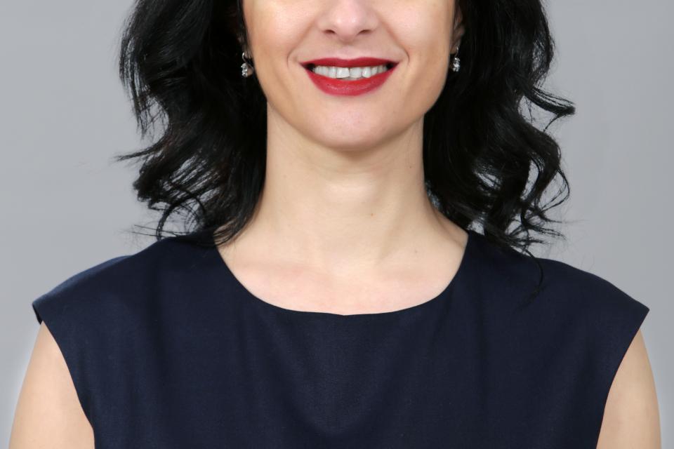 """Уважаеми жители на област Ямбол, аз съм Нина Терзиева, кандидат за Ваш представител в следващия парламент от Ямбол и Коалиция """"БСП за България"""". Моят..."""