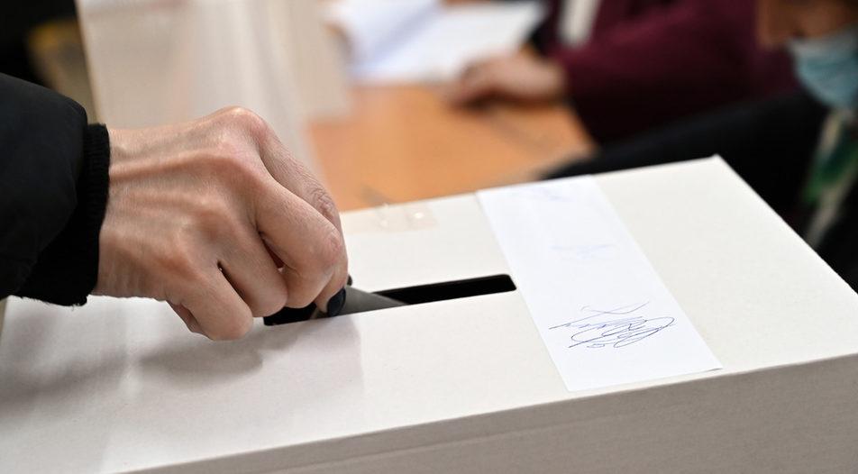 Със свое постановление правителството одобри план-сметката за разходите по подготовката и произвеждането на изборите за президент и вицепрезидент на страната...