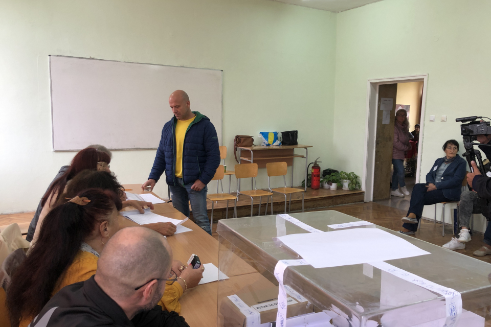 В Ямбол изборният ден приключи в 20.00 часа във всичките 103 избирателни секции, съобщи пред 999 председателят на ОИК Екатерина Янева. Правото си на глас...