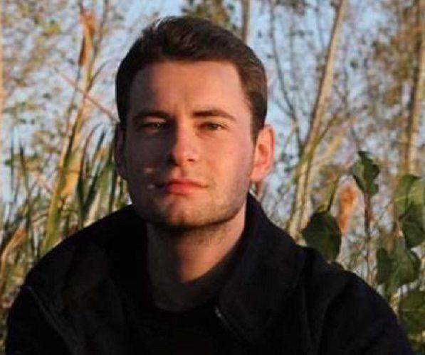20-годишен студент изчезна мистериозно, близките му го издирват от дни, подали са и сигнал в полицията. Момчето е от пазарджишко, студент е в София и живее...