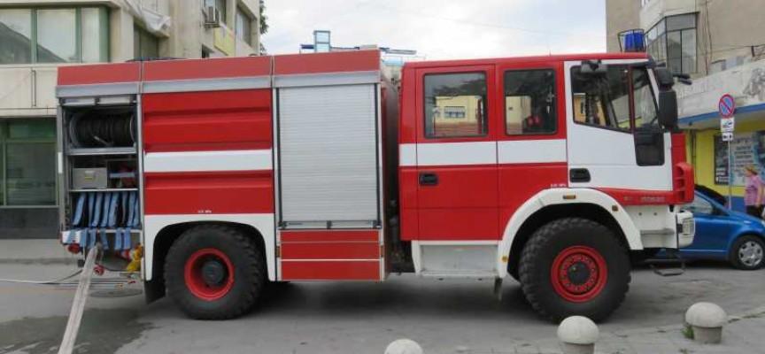 На 27.04.т.г. около 22.25 ч. в Районно управление - Средец е получено съобщение за пожар в камион, паркиран в двора на бивш пункт за изкупуване на отпадъци...