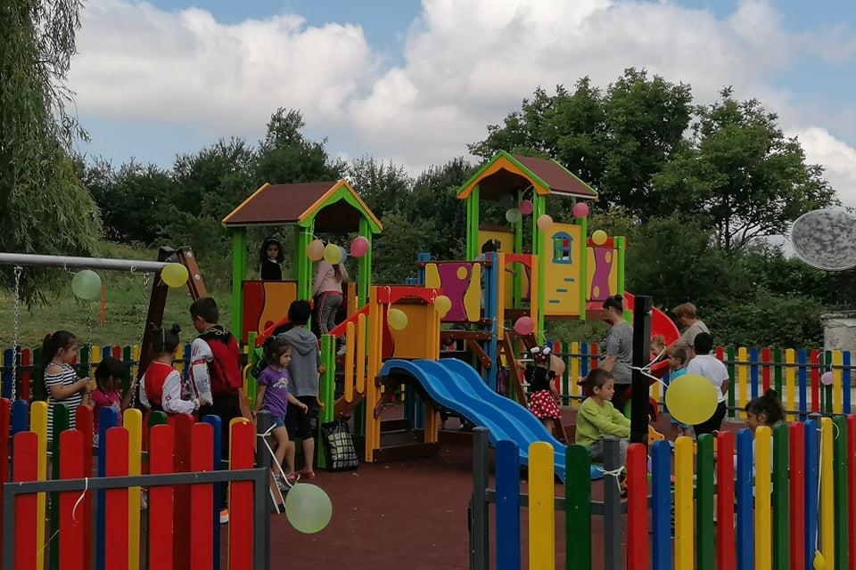 Днес официално беше открита новата детска площадка в село Стара река. Нейното изграждане беше обещано от кмета Стефан Радев и тя вече функционира. Приоритет...