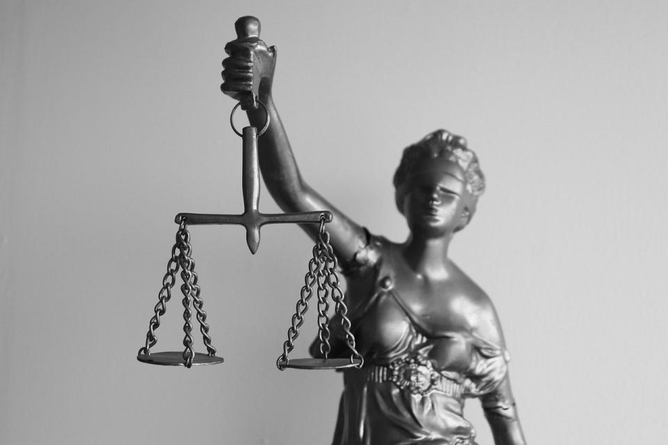 """По внесен обвинителен акт на Районна прокуратура – Ямбол бе наложено ефективно наказание от три години """"лишаване от свобода"""" спрямо Златко Д., съобщават..."""