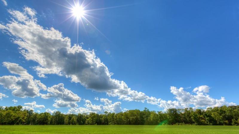 Времето в съботния ден ще бъдесравнително спокойно и с приятни дневни температури. Над Западна България отново ще има много слънце, докато в централните...