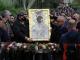 """С камбанен звън изнесоха чудотворната икона на Божията майка от църквата """"Успение Богородично"""" на Бачковския манастир"""
