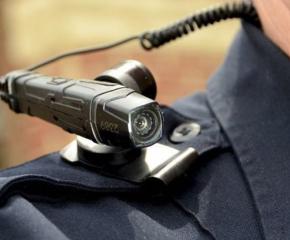 Камери на реверите на полицаите ще извършват видеонаблюдение по време на проверките