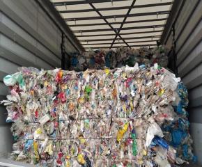 Камиони с пластмасови отпадъци от Румъния, Полша и България са задържани на Лесово
