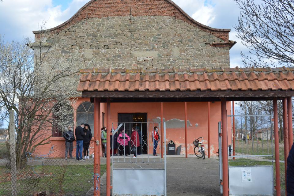 Кандидатите за народни представители от листата на ГЕРБ-СДС подкрепиха с парични дарения родолюбивите инициативи на жителите на село Атолово и село Люлин...