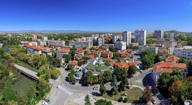 """Със заповедина областния управител на област Ямбол Димитър Иванов са насрочени първите заседания на Общинските съвети""""Тунджа"""" и Ямбол. Във връзка с..."""