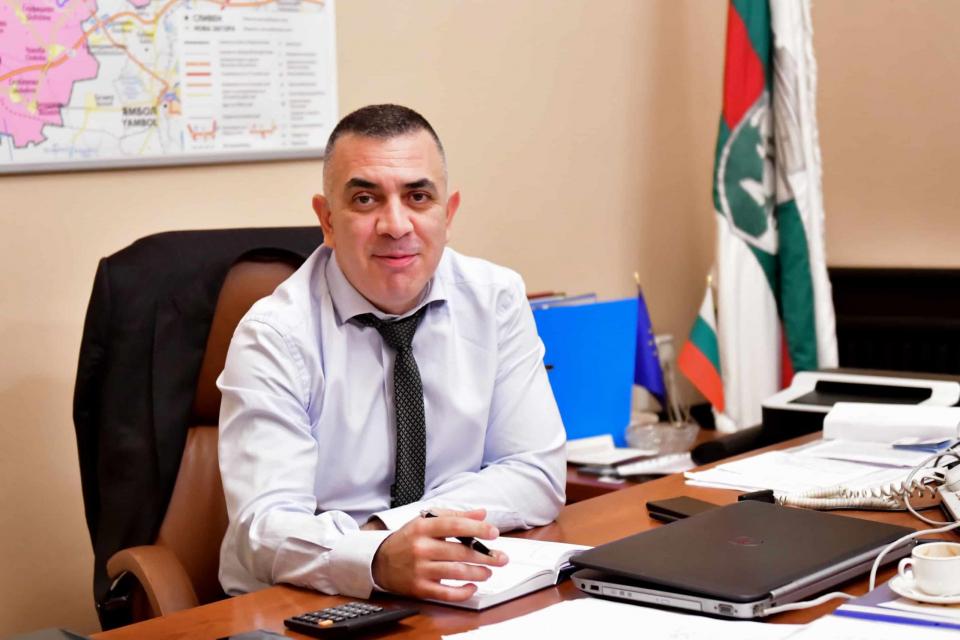 """Кметът Стефан Радев предлага МБАЛ """"Хаджи Димитър"""" да бъде затворена за няколко дни за пълна дезинфекция, след като в сряда стана ясно, че в отделението..."""