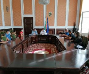 Кметът на Сливен се срещна с протестиращи срещу изграждането на велоалея