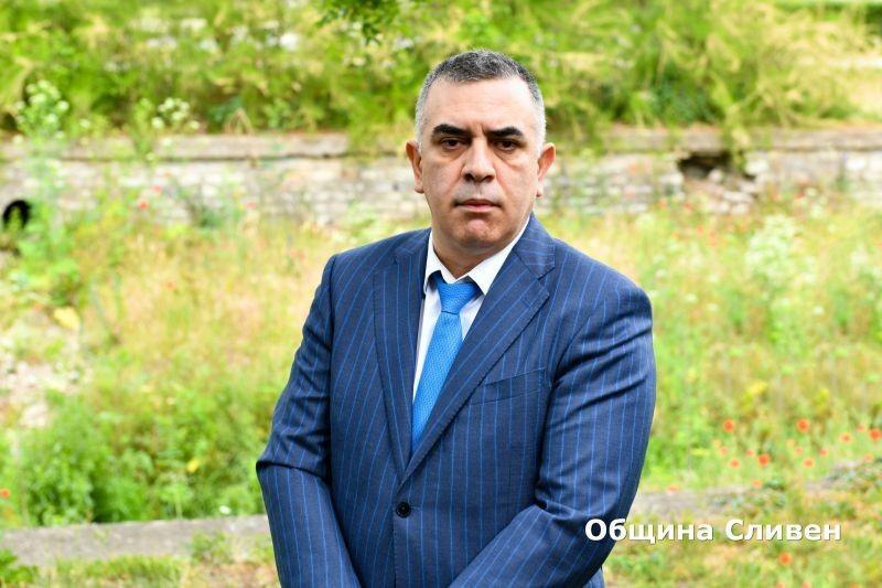 """Кметът на Сливен Стефан Радев е новият председател на Управителния съвет на Регионалната асоциация на общините /РАО/ """"Тракия"""". Той беше избран на поста..."""