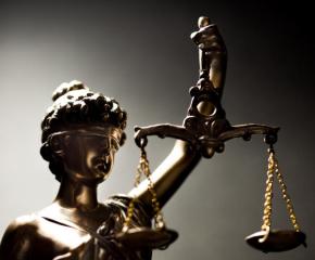 Кметът Стефан Радев поздравява българските юристи