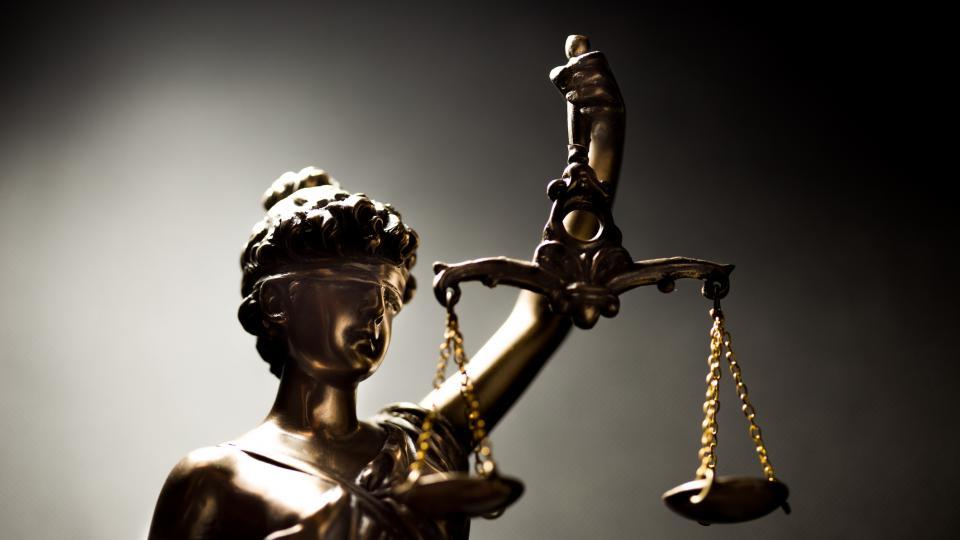 По повод Деня на Българската конституция и професионален празник на юристите искам да пожелая на всички все така отговорно и съвестно да упражняват избраната...