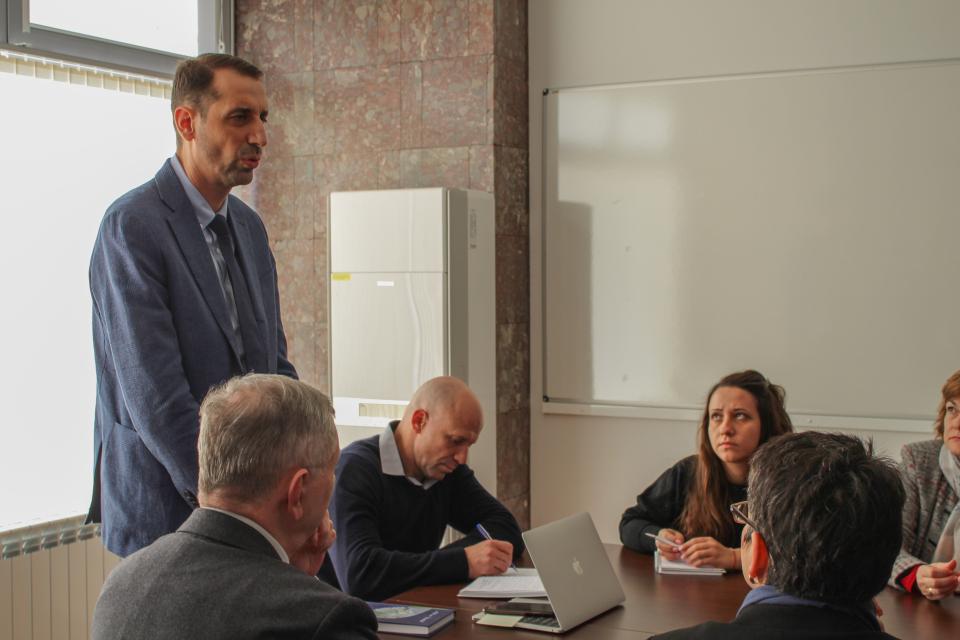 Kметът Валентин Ревански инициира среща с директорите на училища на територията на община Ямбол. На срещата присъстваха и ресорният заместник-кмет Енчо...