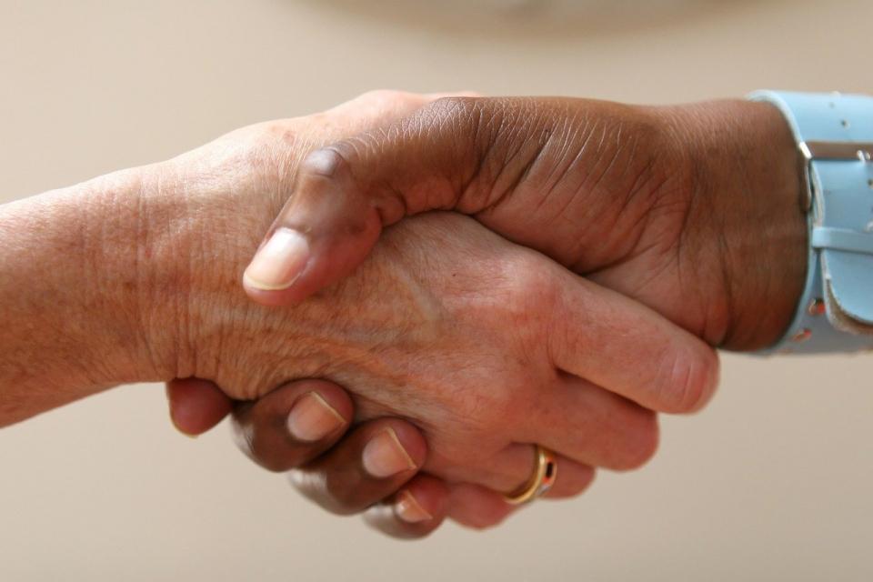 """Триста и двадесет синдикални членове на КНСБ, заболели от COVID-19, са подпомогнати досега в рамките на благотворителната кампания """"Не си сам"""", научи 999..."""