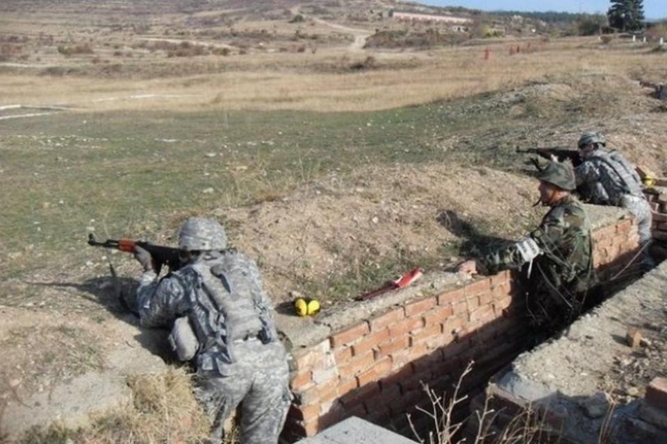 """Центърът за подготовка на специалисти в Сливен към Сухопътни войски обяви датите за месец април на планираните стрелби на Огневи комплекс """"Батмиш"""" край..."""