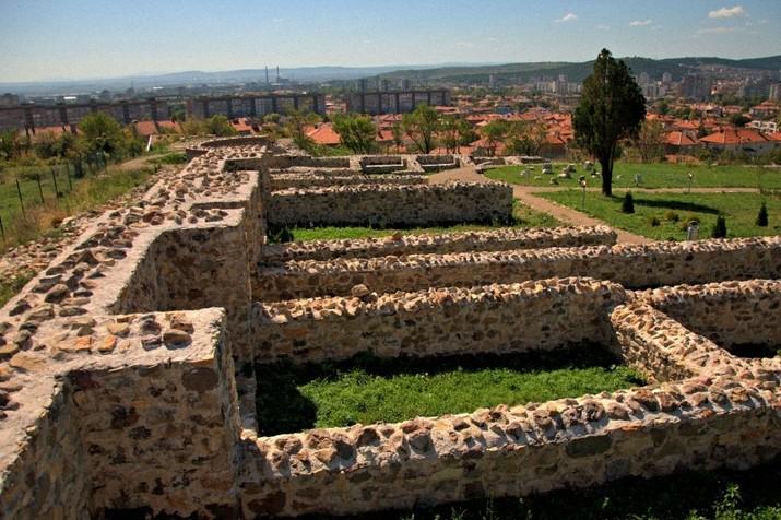 """ПослучайВеликденските празници, Късноантична и средновековна крепост """"Туида"""" ще бъде отворена за посетители през всички почивни дни - 30 април, 1,..."""