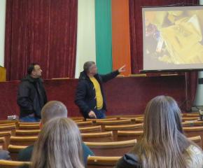 Криминалисти изнасят лекции за вредата от наркотиците