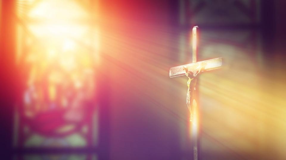 Православната църква почита днес празника Кръстопоклонна неделя.На този ден християните специално се покланят на един от най-ярките символи на християнската...