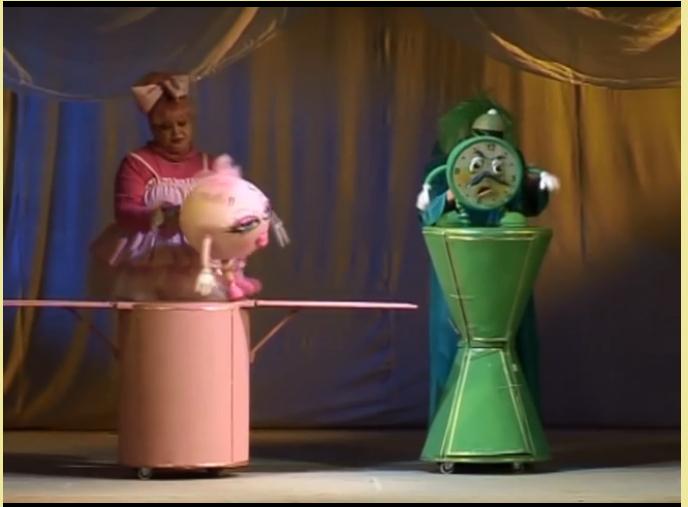 """В Куклен театър """"Георги Митев - Жоро"""" – Ямбол вече се обсъжда идеята за представяне на постановки на открита сцена, съобщи за 999 директорът Елена Дойчева...."""