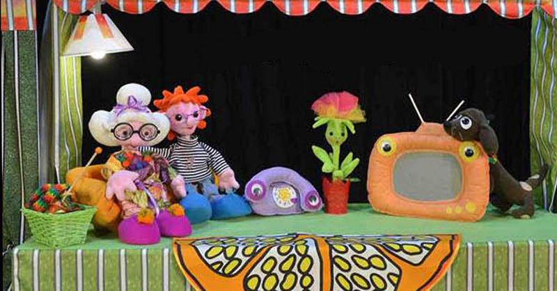 """На сцена на открито в градината на една от ямболските механи, Куклен театър """"Георги Митев""""-Ямбол открива летния сезон на 30 май, събота от 11 часа. Театърът..."""