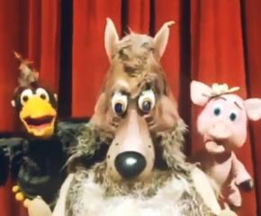 """Кукленият театър в Сливен представя пиесата """"Трите прасенца"""""""