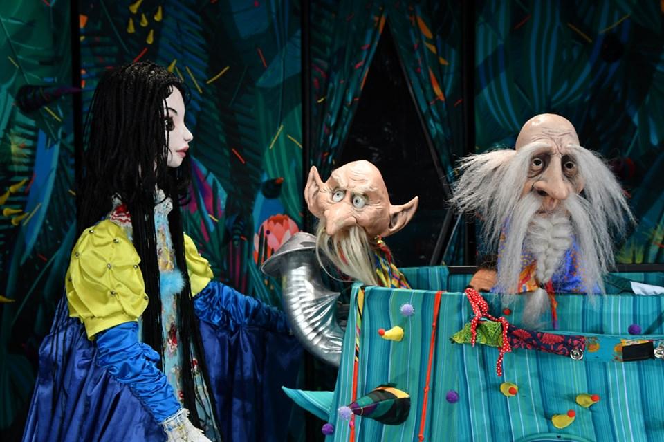 """Премиерното представление на Държавен куклен театър """"Георги Митев""""-Ямбол-""""Снежанка..."""