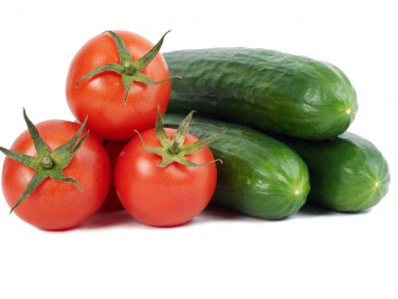Само доматите и краставиците са поевтинели в сравнение с март, джинджифил, чесън и моркови са поскъпнали най-много. Цените през май показват леки колебания...