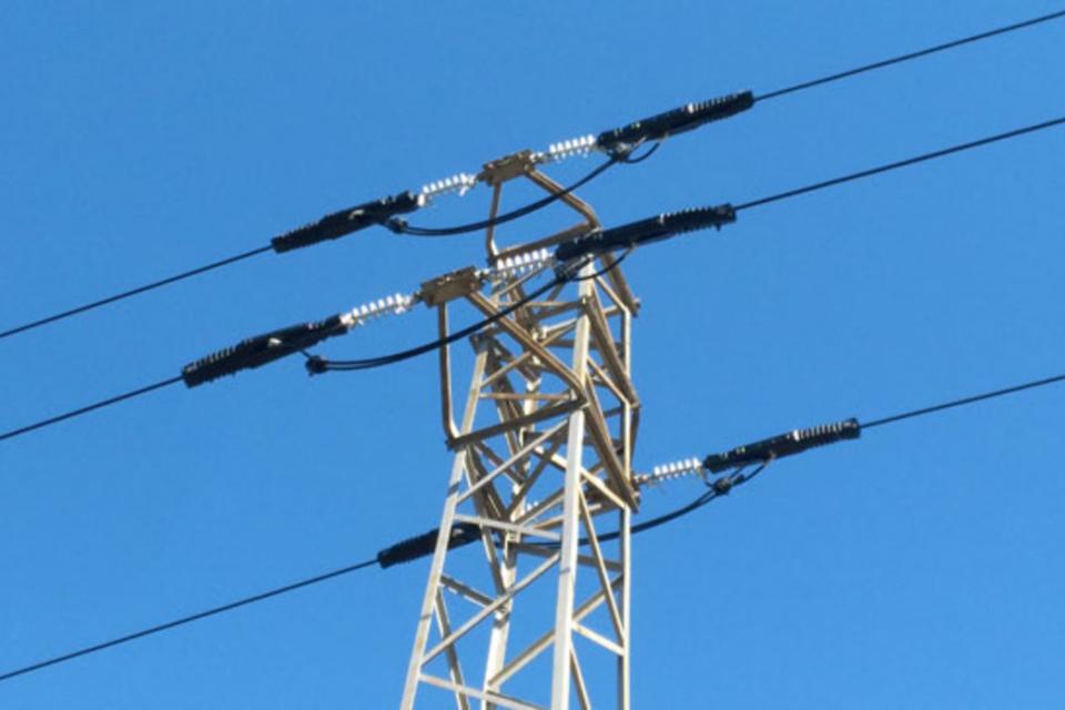 Поради планов ремонт на извод Кукорево днес без ток от 15 до 17 часа ще са в селата Ханово, Окоп и Кукорево, съобщават от електроразпределителното дружество....