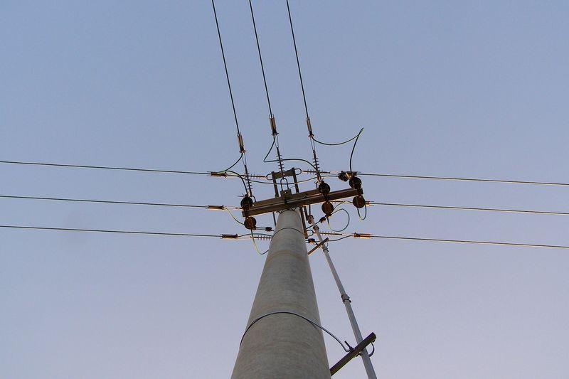 """В Ямбол в к-с """"Златен рог"""" в района на блок 35 и 36, до които има и детска градина и търговски обекти, днес е планирано прекъсване на тока от 9 до 16.30..."""