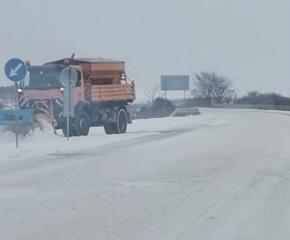 Към 12:00 часа: Между 5 и 15 см е снежната покривка в област Ямбол (СНИМКИ)