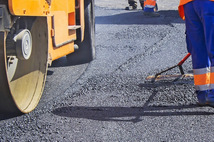Започват частични ремонти на на асфалтовата настилка на репубиканския път път І-4 в участъка от с. Калояново до с. Трапоклово от км 402+851 до км 413+971,...