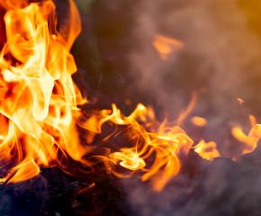 Къща горя в Твърдица