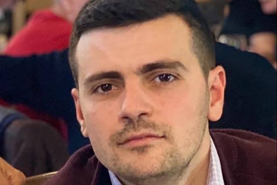 Млада надежда от бургаска болница изчезна безследно, съобщават от бургаската полиция. Повече от седмица няма и следа от 28-годишния д-р Игли Карасани....