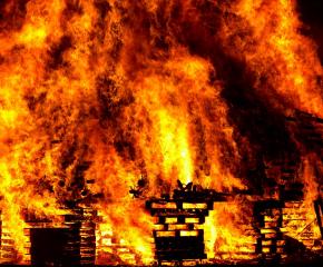 Ликвидиран е пожар в Сливенското село Стара река, спасени са 3 други сгради