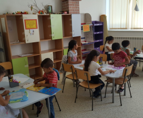 Лятното училище в Общностен център-Сливен продължава и през юли и август